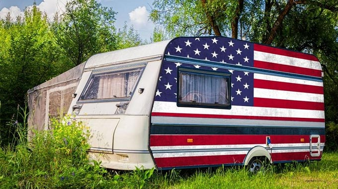 Paint-an-RV-Exterior-in-USA