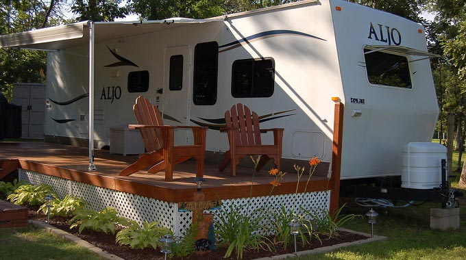 Leveling-a-Travel-Trailer-on-a-Permanent-Site